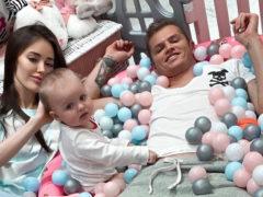 Дмитрий Тарасов и Анастасия Костенко закатили роскошную вечеринку для годовалой дочки: появились первые фото
