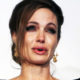 """Анджелина Джоли со слезами на глазах рассталась с 18-летним приемным сыном Мэддоксом: """"Стараюсь не плакать"""""""