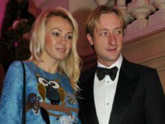 Поцелуй на коленях: любовь Яны Рудковской и Евгения Плющенко, выставленная напоказ, возмутила россиян