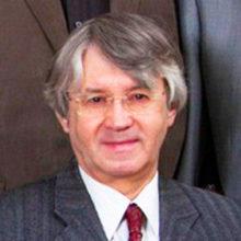 Заслуженный артист России свел счеты с жизнью: его бездыханное тело обнаружили под окнами многоэтажки