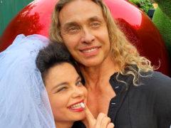 «Кайфуем!»: одна из самых экстравагантных пар нашего шоу-бизнеса бурно отпраздновала годовщину свадьбы