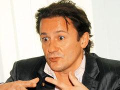 Олега Меньшикова экстренно госпитализировали: первые подробности и комментарии представителей театра