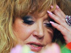 Худшее фото Аллы Пугачевой заставило фанатов смеяться над ее внешностью, состоянием лица и качеством волос
