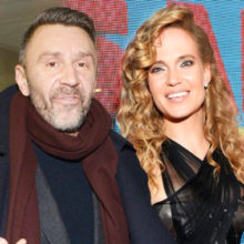 Новый поворот: после слухов о разводе певица Глюк'оZа появилась на публике под руку с мужем-бизнесменом