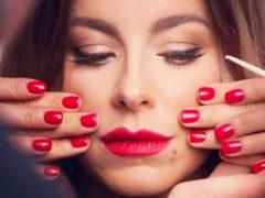 """""""Изуродовала себя в погоне за красотой"""": обновленная внешность Ани Лорак разочаровала поклонников певицы"""