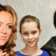 Внебрачная дочь Осина сыграет Юлию Началову в новом автобиографическом кино, родители разрешили