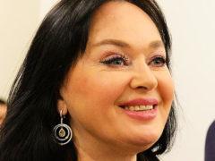 Лариса Гузеева провела сказочный вечер в компании известного актера, а после поблагодарила его за «любовь»