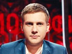 В борьбе с тяжелым заболеванием телеведущий Борис Корчевников сначала набрал вес, а потом резко похудел