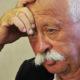 Леонид Якубович получил серьезную травму на отдыхе: звезду Первого канала заметили в инвалидном кресле