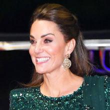 Кейт Миддлтон с мужем прибыла в Пакистан: герцогиня Кембриджская поразила мир изумительными нарядами