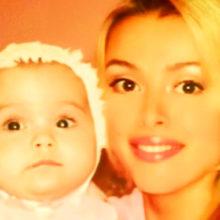 На архивном фото 20-летней давности светская львица Алена Кравец оказалась точной копией дочери Даниэллы