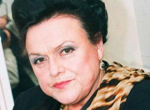 Родные Людмилы Зыкиной выставили на аукцион ее ношеные кроссовки и кошелек с чеком на пенсию