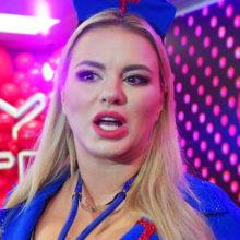 Семенович уменьшила грудь из-за серьезной болезни, но не все поверили в откровения фигуристой певицы
