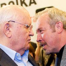 Андрей Макаревич вступился за Михаила Горбачева и грубо ответил тем, кто критикует бывшего президента