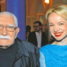 «Под воздействием каких-то медикаментов» после слов о воровстве к Виталине вернулся Армен Джигарханян