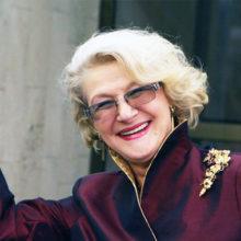 """""""Вызывайте психиатра"""": 84-летняя Светлана Дружинина, позирующая босиком в сугробе, поразила россиян"""