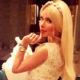 Алена Кравец смыла все грехи в купальнике ручной работы за 200 тысяч рублей, потому что так «комфортнее и приятнее»
