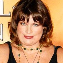 Милла Йовович располнела до неузнаваемости: голливудская звезда находится на последнем месяце беременности