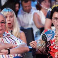 Петросян и Брухунова отреагировали на слухи о рождении ребенка от суррогатной матери: «Я что так не могу сделать?»