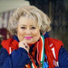 Татьяна Тарасова, несмотря на уважаемый возраст, продемонстрировала шикарную растяжку в спортивном зале