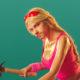 """""""Люблю безбашенные вещи"""": Александр Петров примерил на себя образы Брэда Питта и соблазнительной блондинки"""