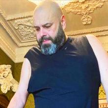 «Наверное, операция на желудке была?»: продюсер Максим Фадеев раскрыл секрет похудения на 100 килограммов
