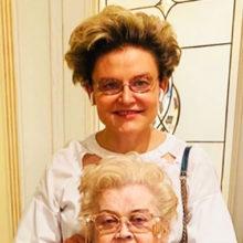 87-летняя мама Елены Малышевой две недели провела в реанимации, врачи сделали все, чтобы спасти жизнь