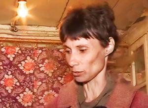 Жительница нижегородской деревни 26 лет не выходила из дома: мать держала единственную дочь взаперти