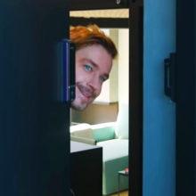 Американская мечта сбылась: Александр Петров показал шикарную двухэтажную квартиру с собственной сауной