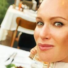 Олеся Судзиловская объяснила, почему больше не прячет лицо младшего сына, рожденного от бизнесмена